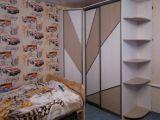 Стол и шкаф в детскую
