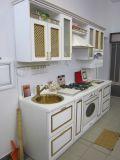 Кухня в классическом стиле с фасадами МДФ